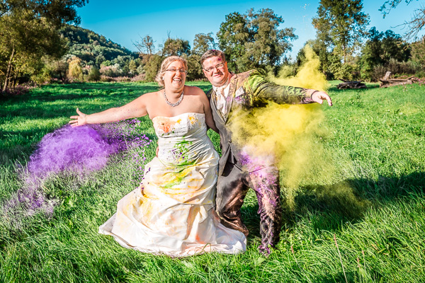 Unterbreizbach - Pferdsdorf: Trash the Dress - After Wedding Holi Color Farbpulver Shooting