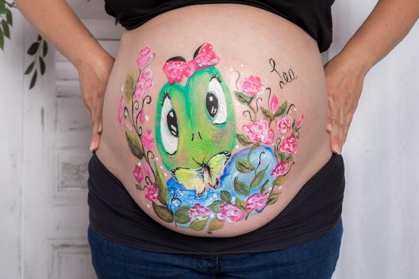 Babybauch / Schwangerschaft mit Bodypainting
