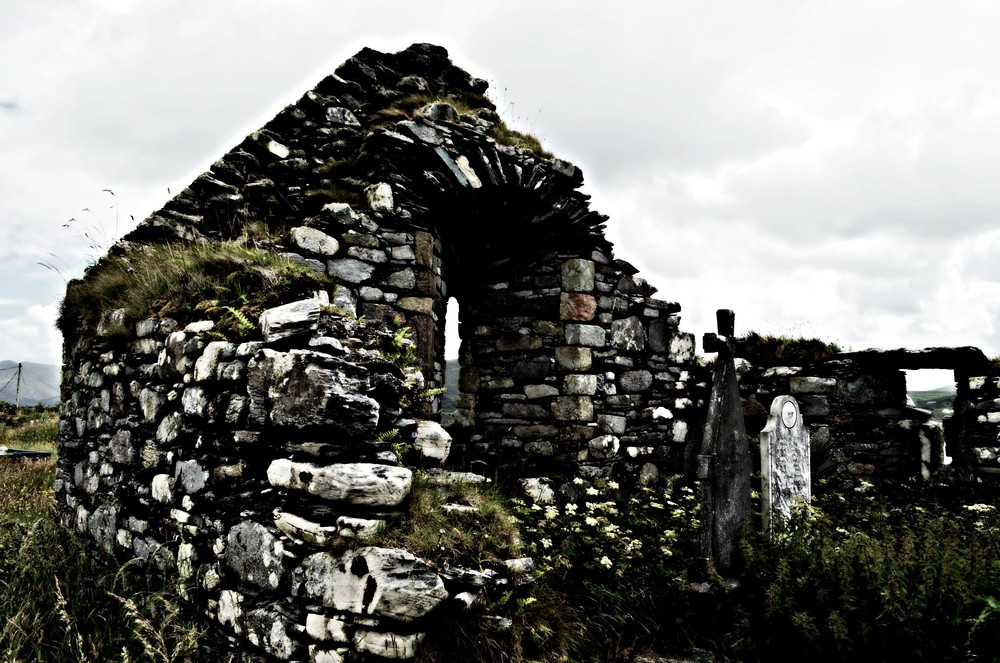 Kilcatherine Church and Graveyard, 7th century AD ©2015 Julie Christine Johnson