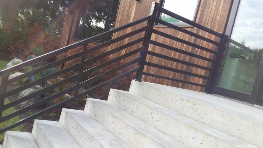 Horizontal stairs railingHorizontal stairs railing