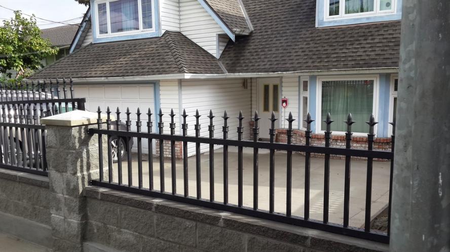 Spearhead railing