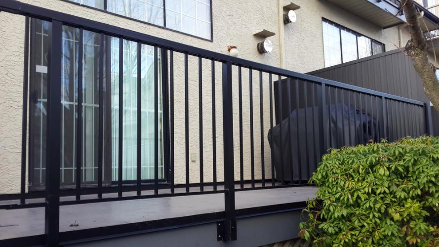 "42"" high balcony railing"