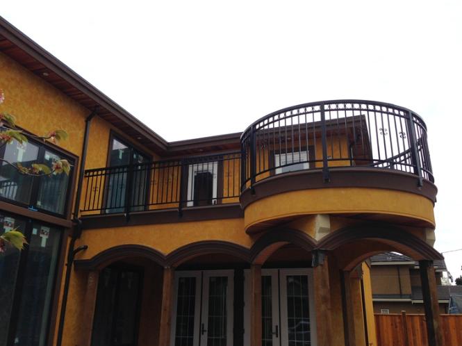 Balcony railing, curved, Fairchild, Richmond, BC.