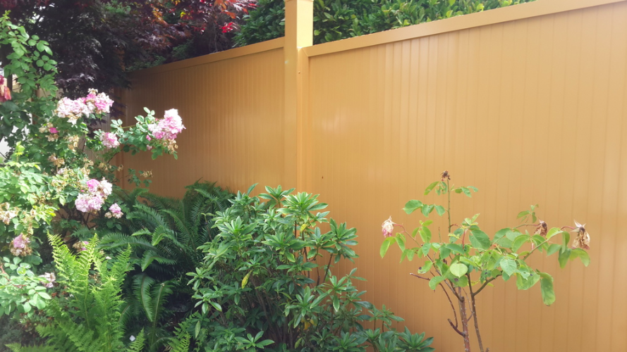 6' high aluminum privacy fence, woody color, 64th Avenue, Vancouver West, BC. 6' high aluminum privacy fence, woody color, 64th Avenue, Vancouver West, BC.