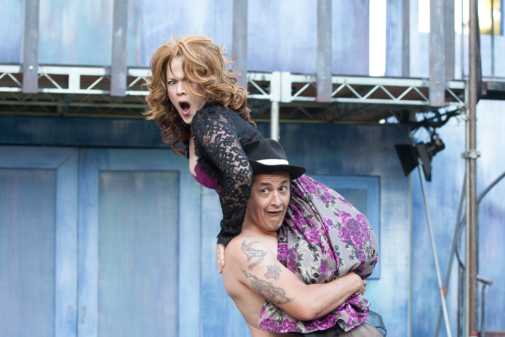 Melissa Chalsma with luis galindo, the taming of the shrew, griffith park free shakespeare festival 2014. photo by grettel cortes
