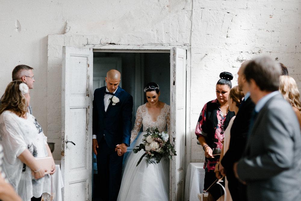 Essi + Ville | Oitbacka Gården | by Patrick Karkkolainen Wedding Photography-146.jpg
