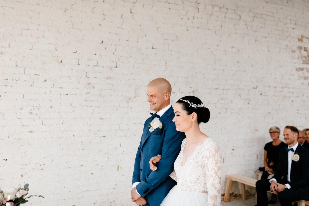Essi + Ville | Oitbacka Gården | by Patrick Karkkolainen Wedding Photography-154.jpg