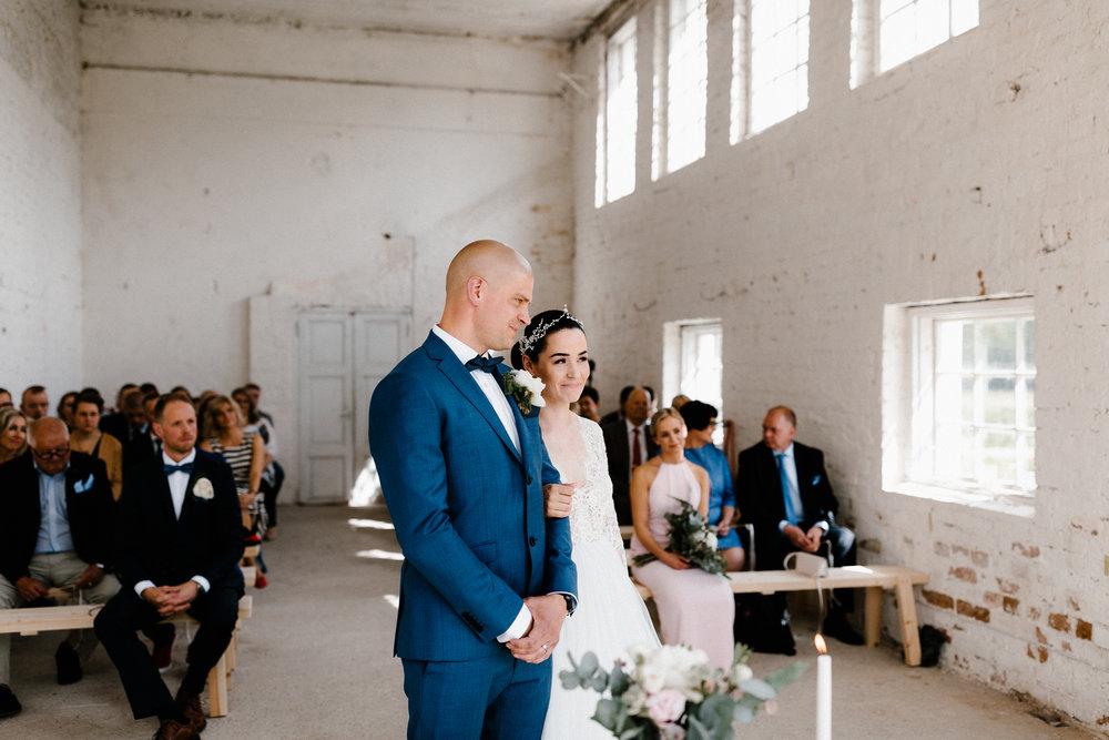 Essi + Ville | Oitbacka Gården | by Patrick Karkkolainen Wedding Photography-160.jpg