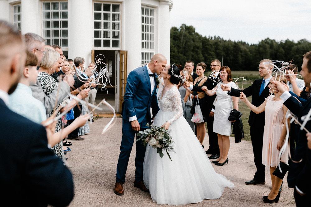 Essi + Ville | Oitbacka Gården | by Patrick Karkkolainen Wedding Photography-170.jpg