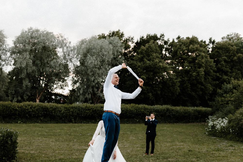 Essi + Ville | Oitbacka Gården | by Patrick Karkkolainen Wedding Photography-317.jpg