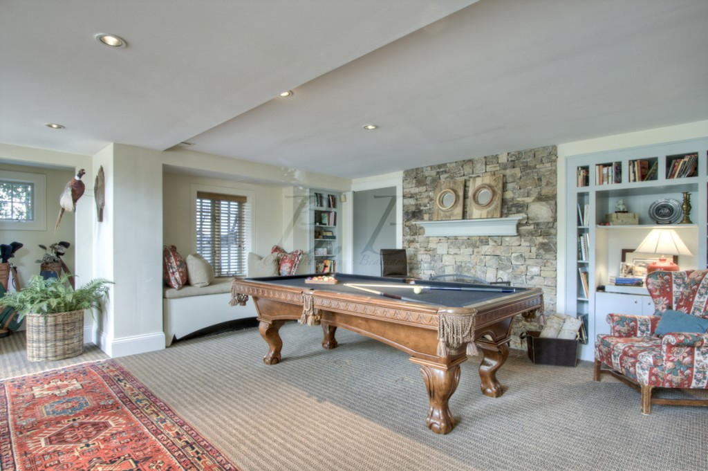 Garden hills masterpiece this photographer 39 s life for Garden pool table room