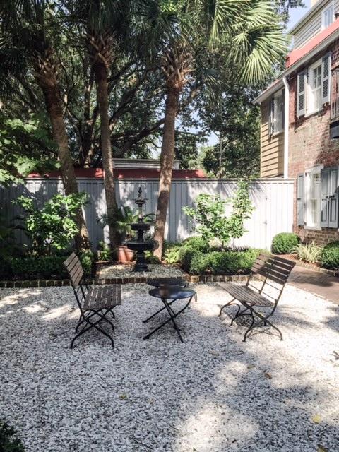 Zero George Courtyard