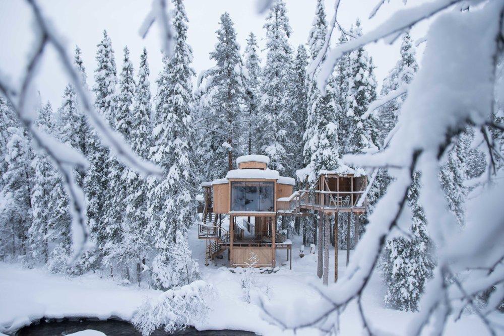 Å Auge - Encounture Norwegian nature from above!