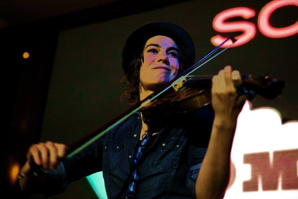 Violinist Kelly Halloran.jpg