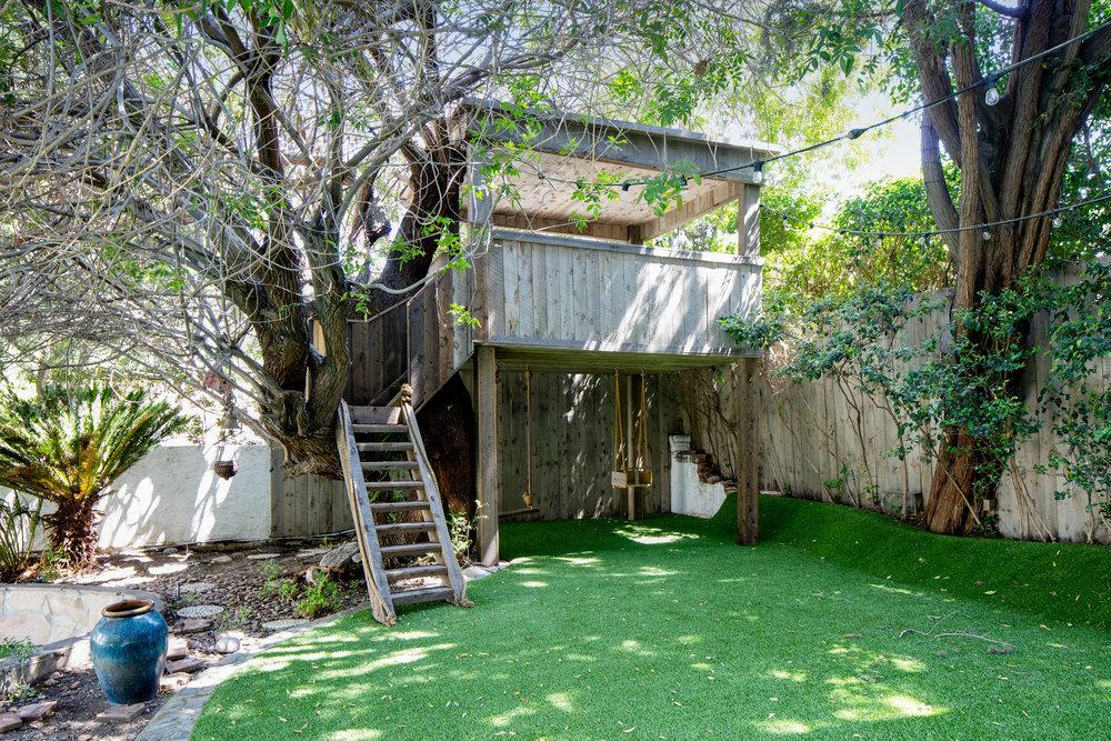 lucerne346s-treehouse.jpg