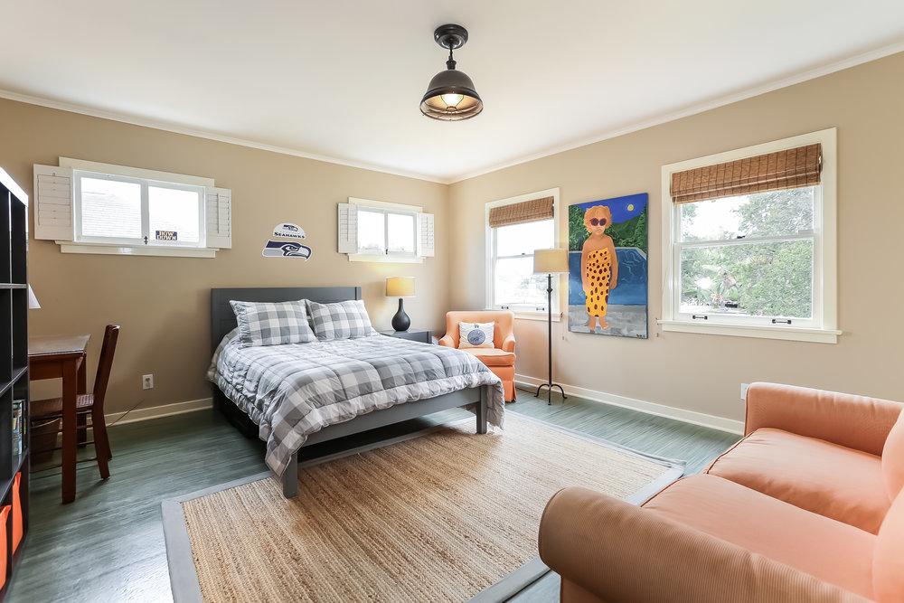 Bedroom-5846823.jpg