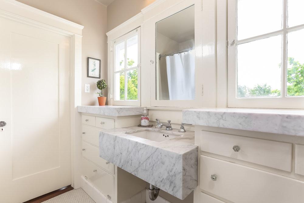 Master Bathroom-5846819.jpg