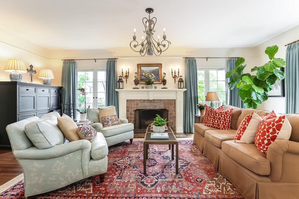Living Room-5846786.jpg