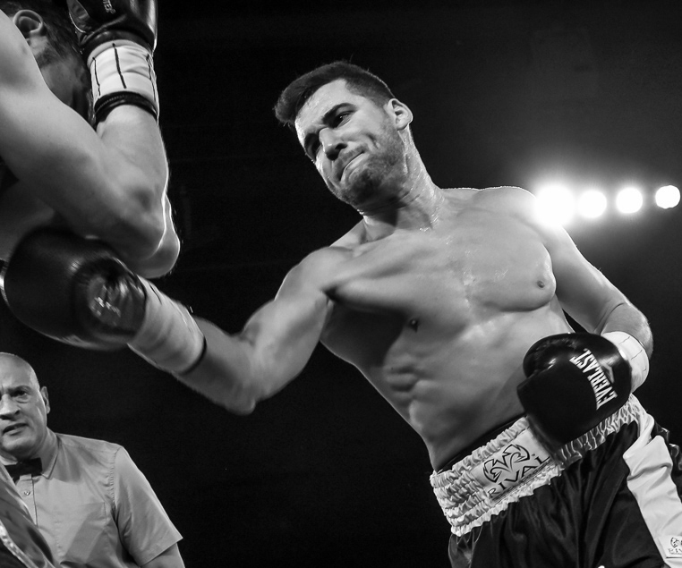 NICK FANTAUZZI - Light Heavyweight 7 - 0 - 0 (4 KOs)An all-action warrior in every sense of the word, Fantauzzi has put the Canadian boxing scene on notice with his thrilling style and his loyal fanbase. Fantauzzi is very much in the hunt for the Canadian light heavyweight title.