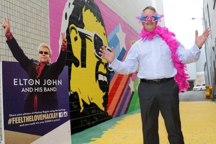 Mackays mayor dressed as Elton John.jpg