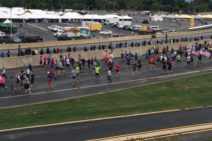 Army-Ten-Miler-runners-take-off-727x485.jpg