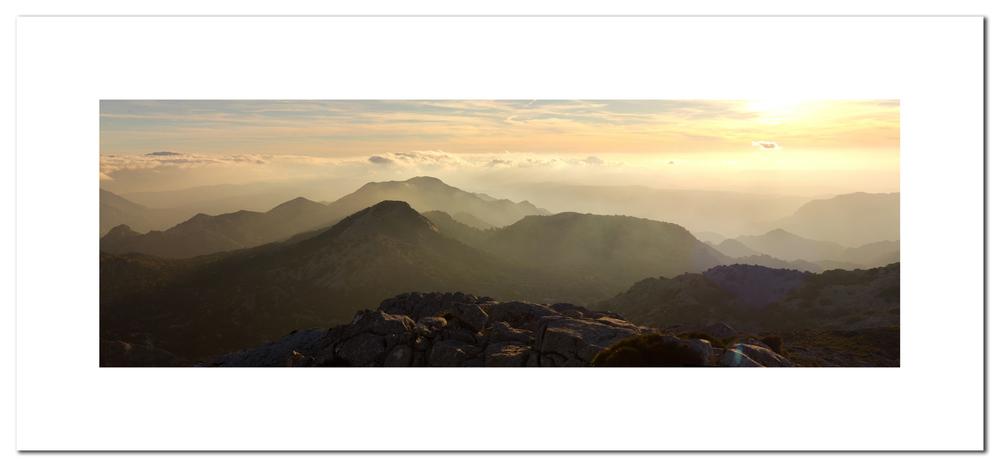 Fotografía panorámica (5 fotografías) del atardecer desde la cumbre.