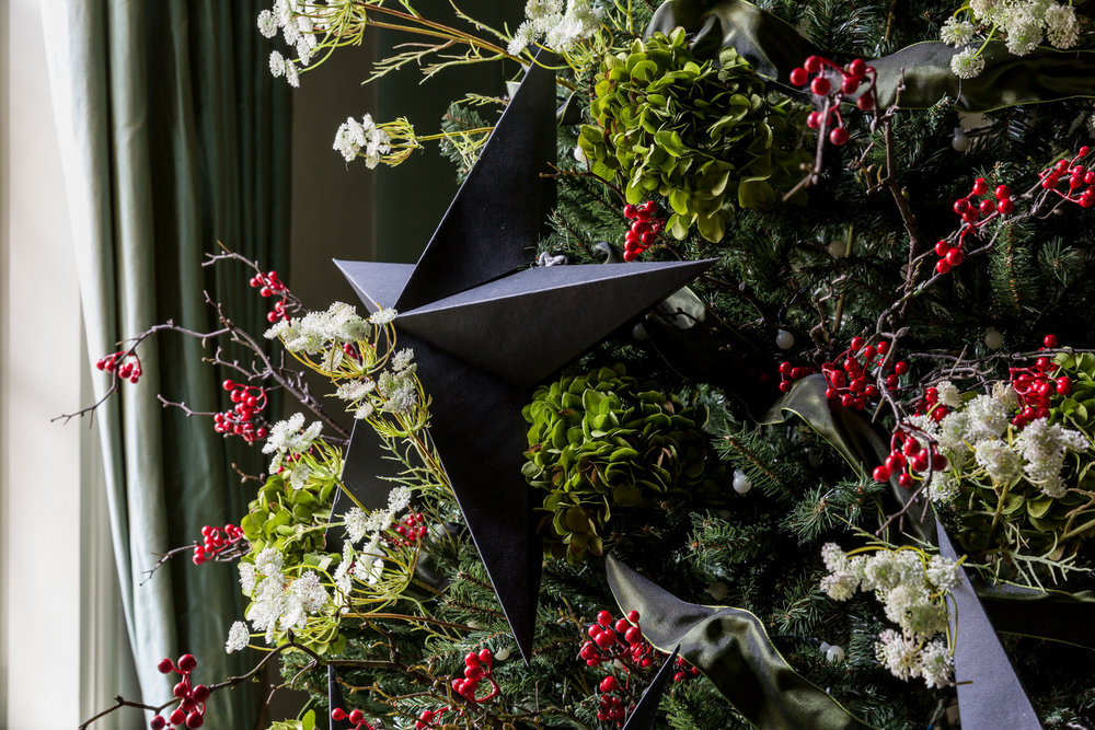 Christmas styling with Hello Flora