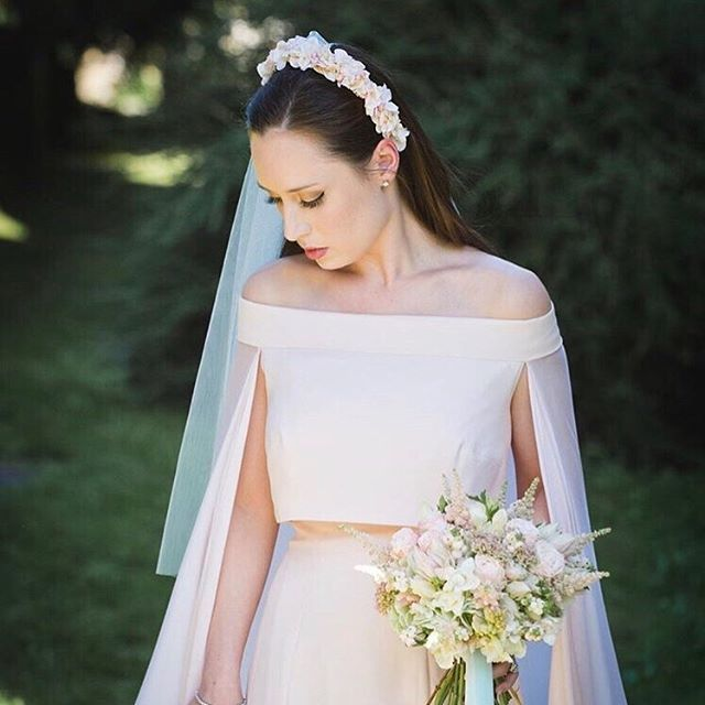 How stunning does @cemcampbell look on her wedding day?! I made her a bespoke, hand painted, faux flower headband to match her @owenmarkthompson  blush pink dress 💕photograph by @chris.jelf.photographer 💕