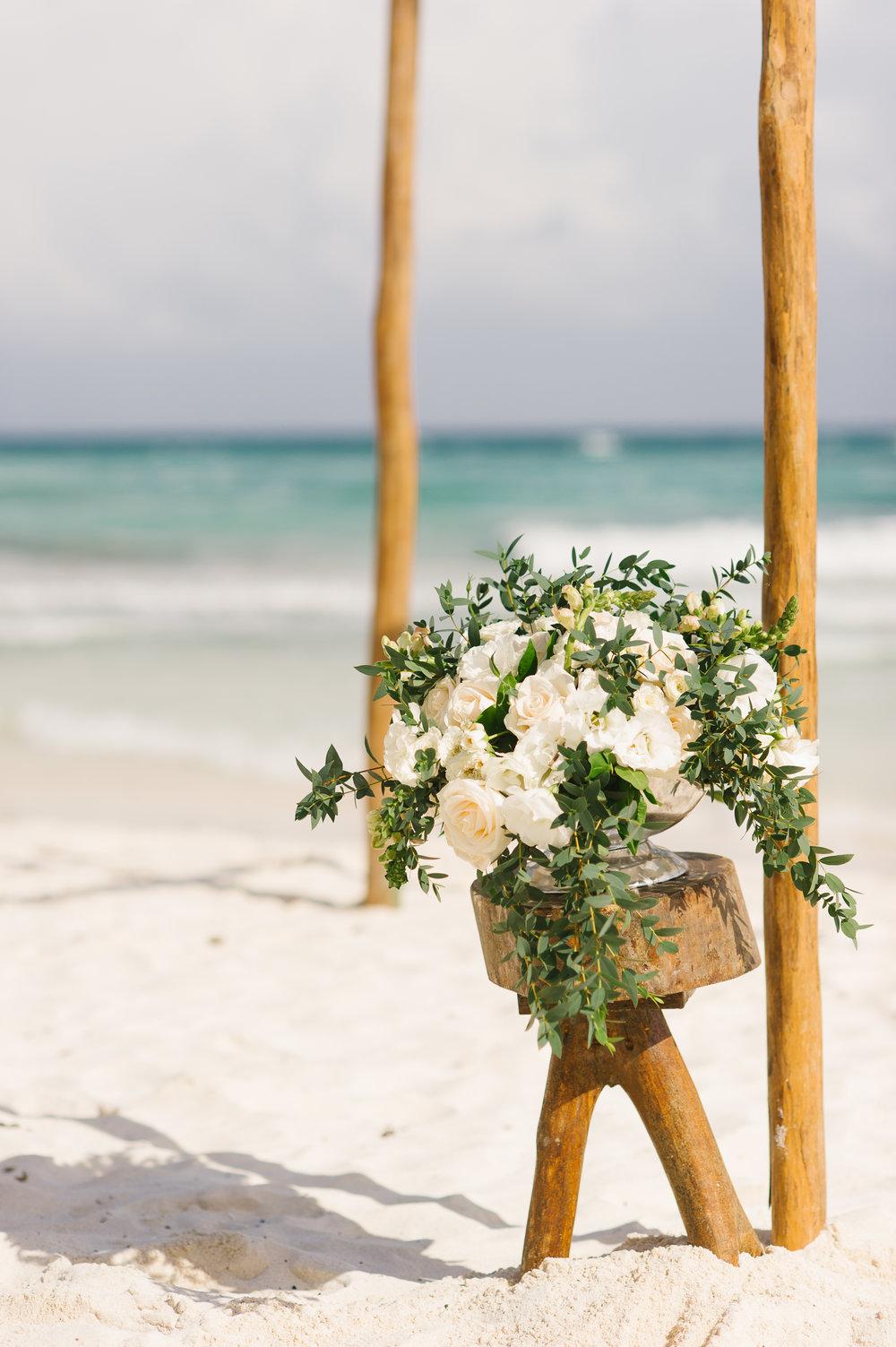 Beach Ceremony - www.theeventeur.com
