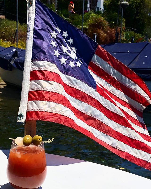 Happy 4th everyone!  Have fun & be safe! . . . #poppourparty #malibumary #bloodymary #july4th #independenceday #america 🇺🇸🌭🎇 Thanks @buddison25 for the photo!