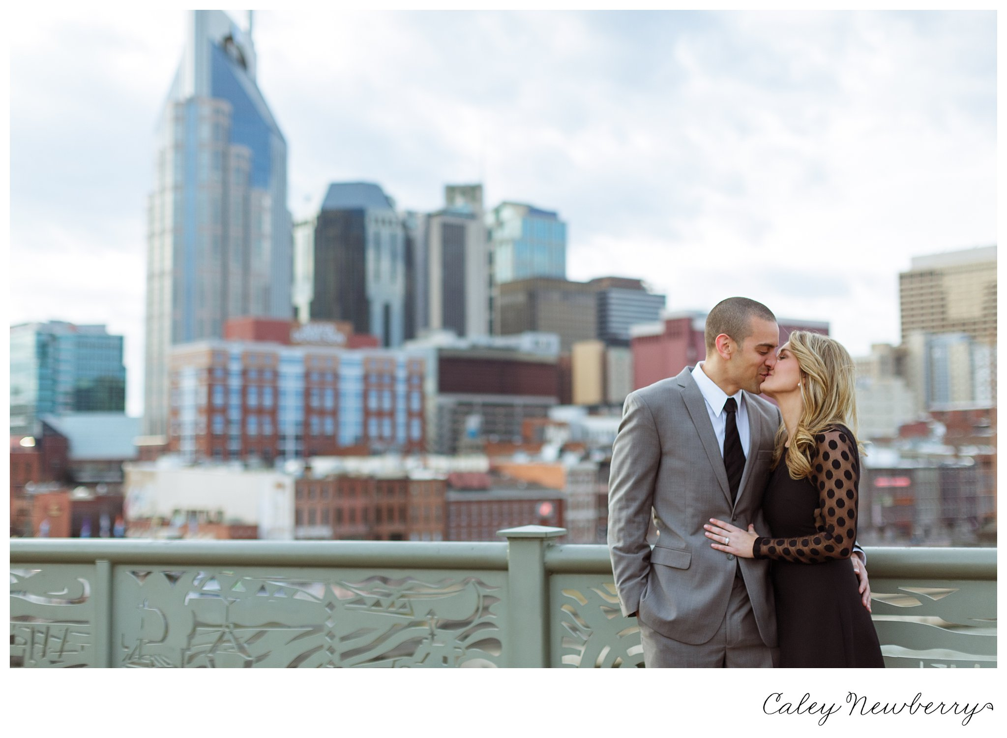 downtown-nashville-engagement-session