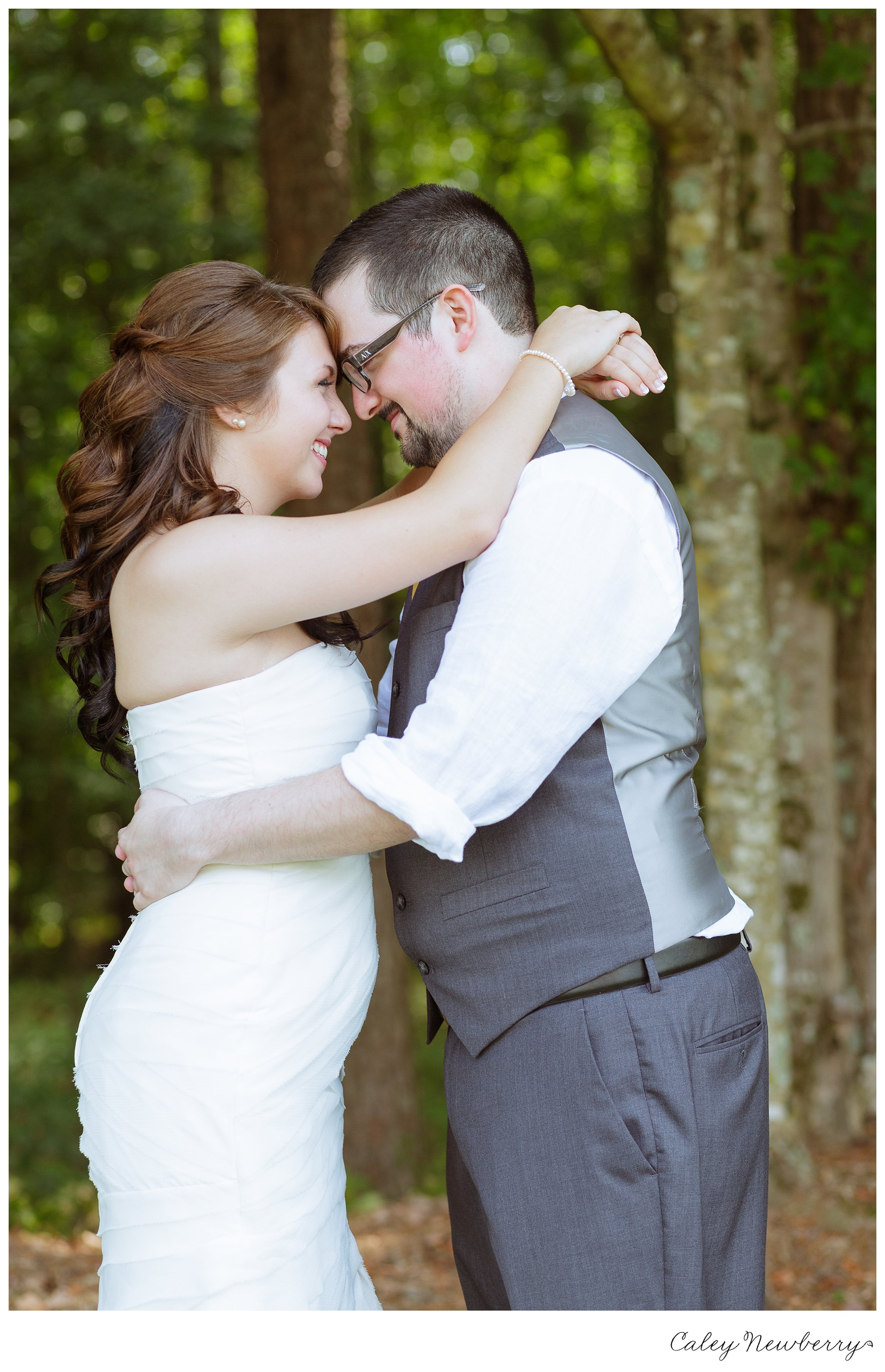 first look, nashville wedding photographer, hay barn collinsville al, groom sees bride before wedding,