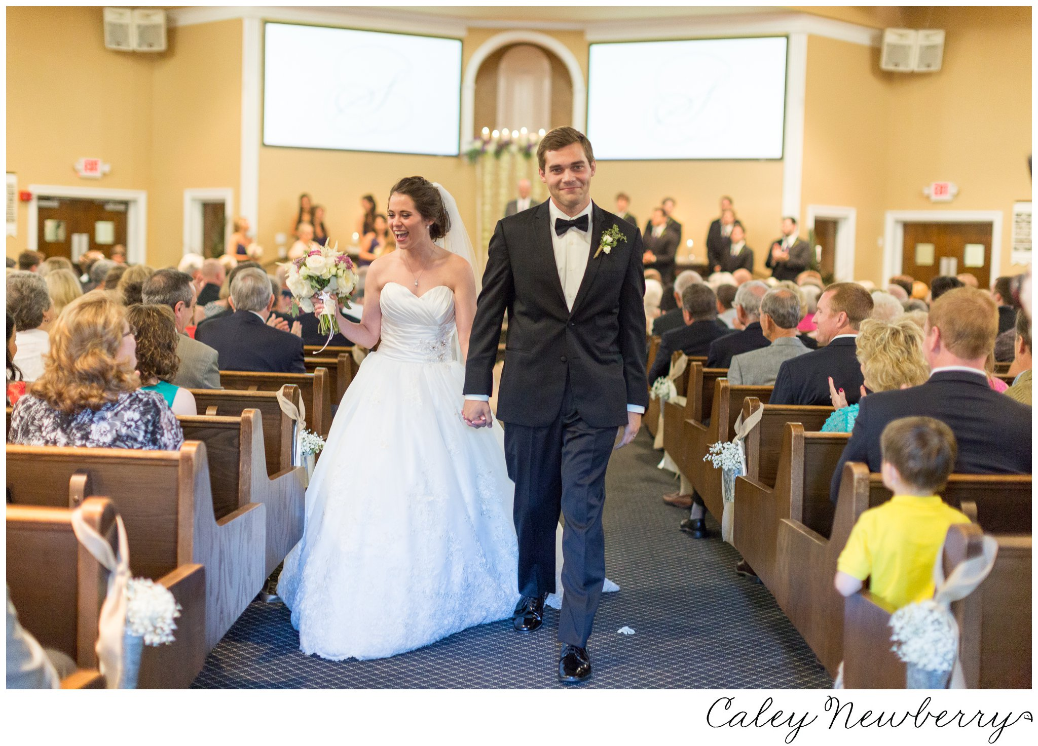 church-wedding-indoor-photorapher.jpg