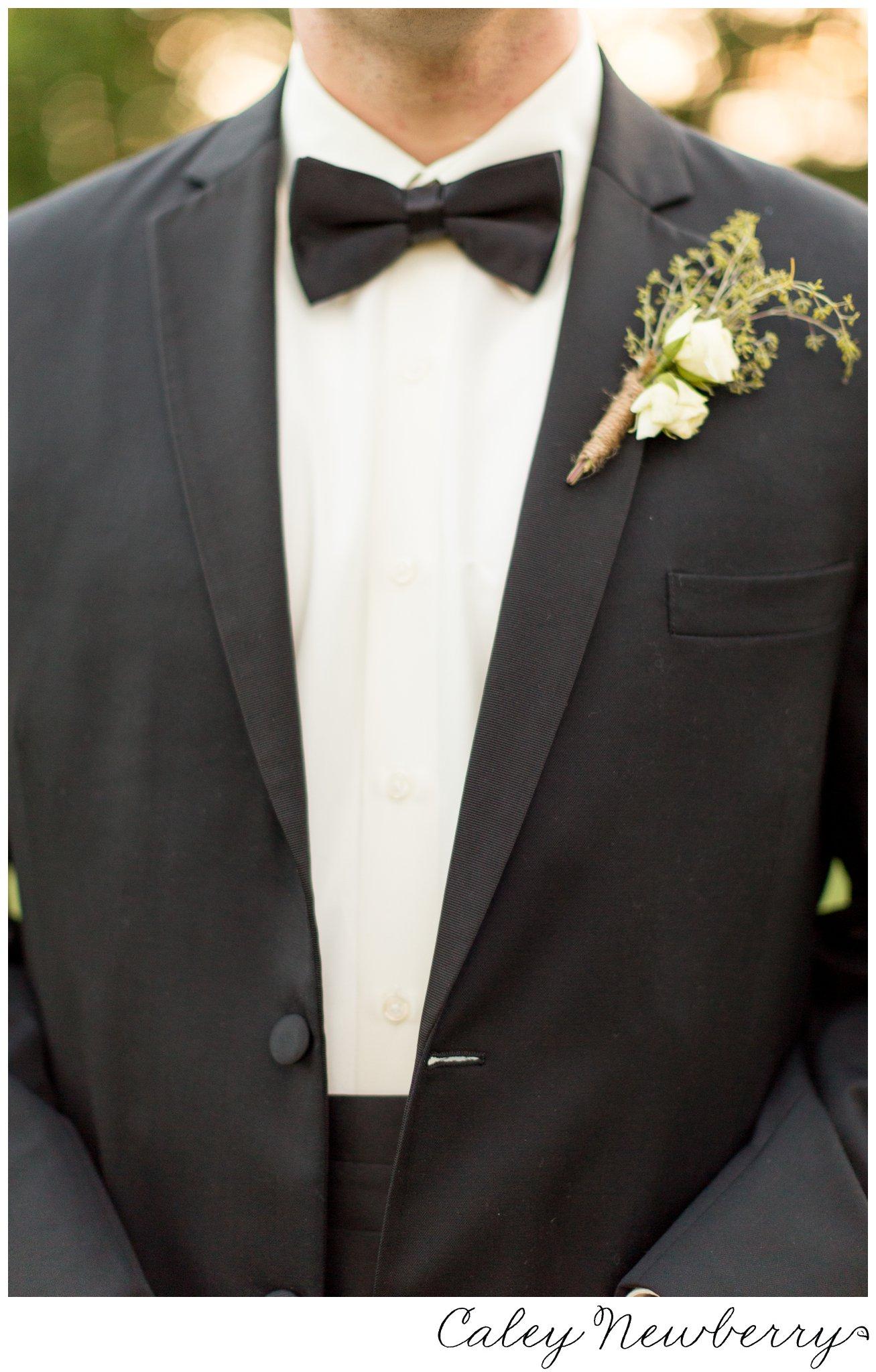 modern-groom-boutonniere.jpg