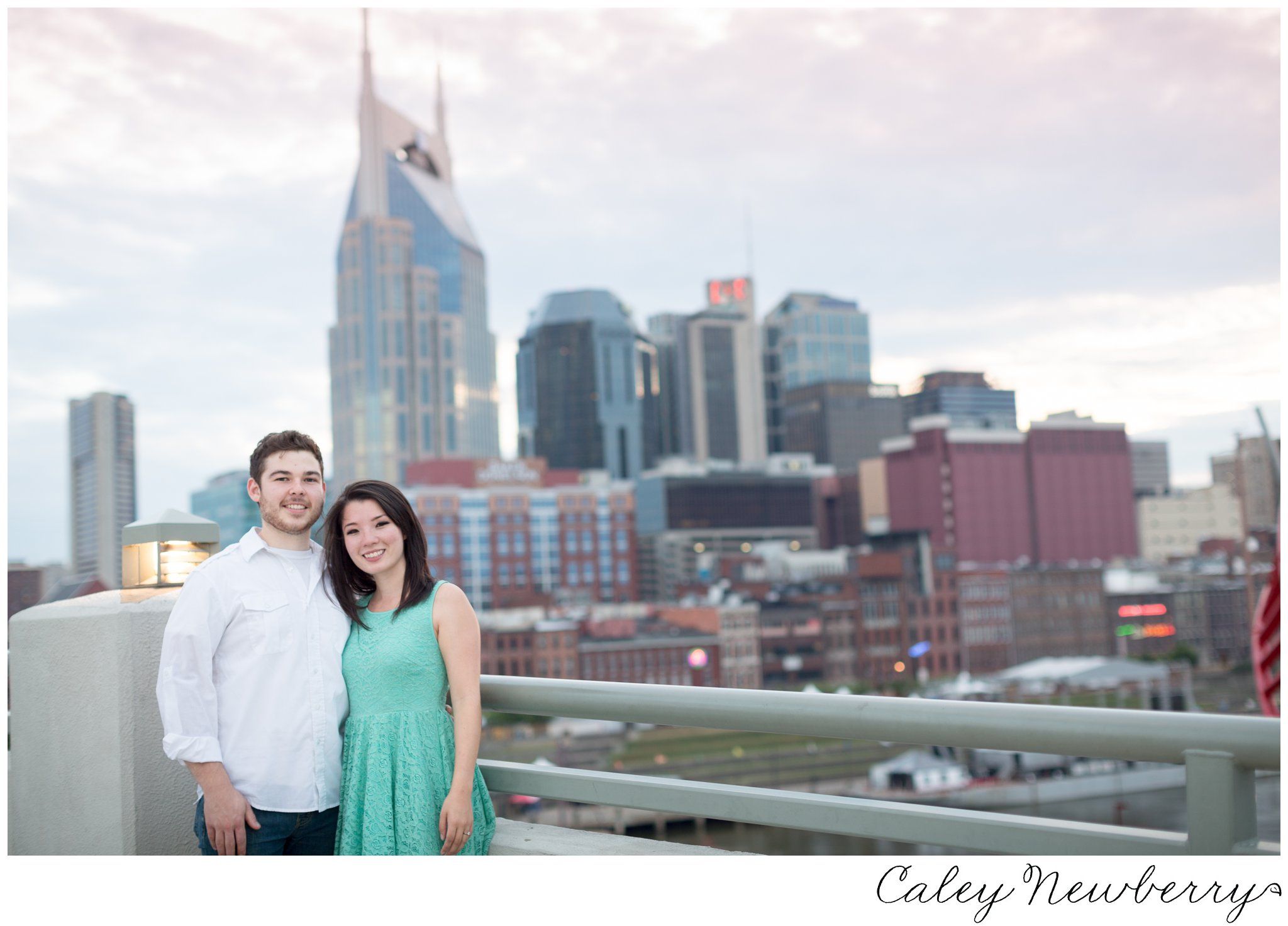 nashville-skyline-engagement-photos.jpg