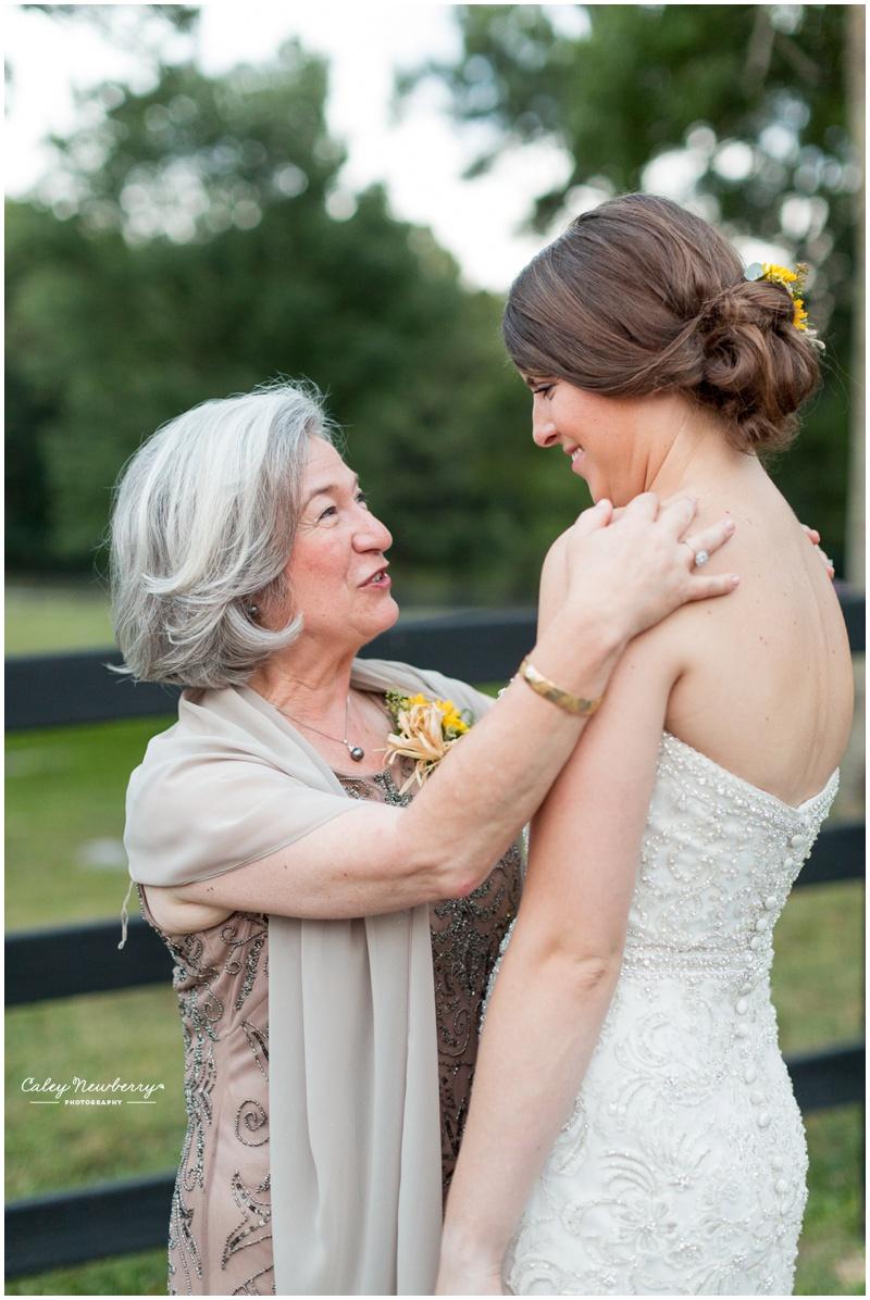 bride-with-grooms-mom.jpg
