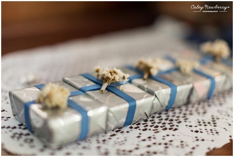bridesmaid-gifts-wedding-details.jpg