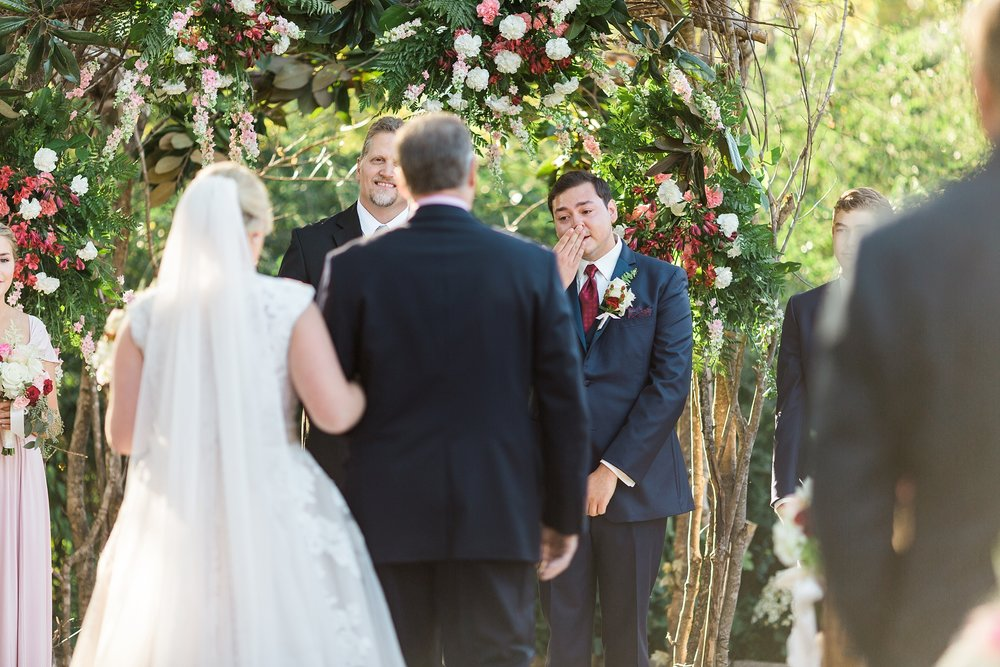 groom-reaction-to-bride.jpg