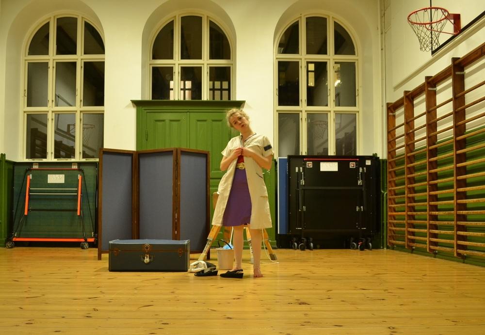 Anne in rehearsal