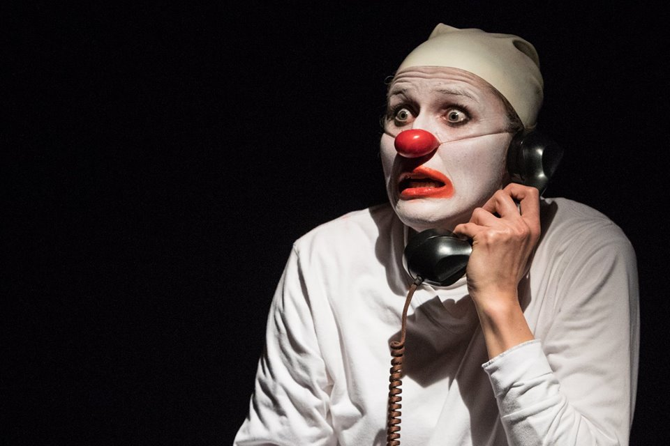 Ruxy performs at Clown Cabaret Special Edition at manipulate Visual Theatre Festival in Edinburgh