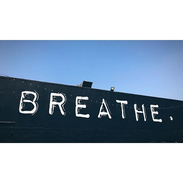#breathe #la #losangeles #hollywood #sunsetboulevard #beverlyhills #mindful #contemplate #toblackrockwithlove #theburn #bm2018 #playa #dustyfamily