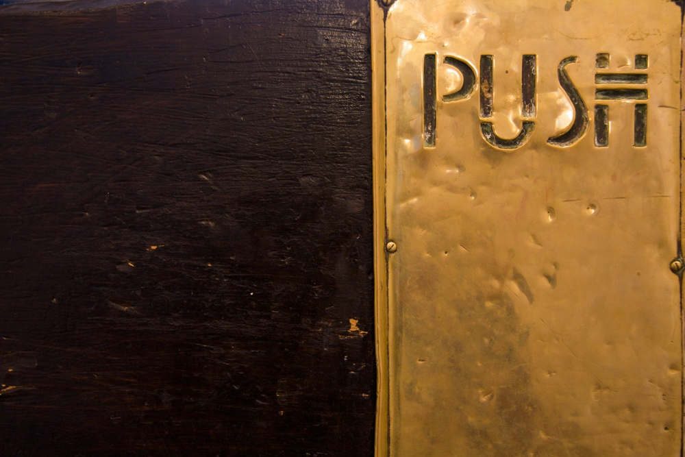 Push (Charles Rennie Mackintosh), Glasgow School of Art. Photo: Erinç Salor