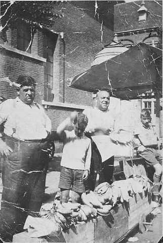 Leendert Barmhartigheid (à gauche) avec Abraham et Isaac van Velzen.