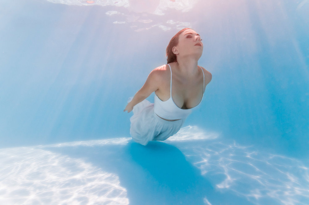 underwater-portrait-female