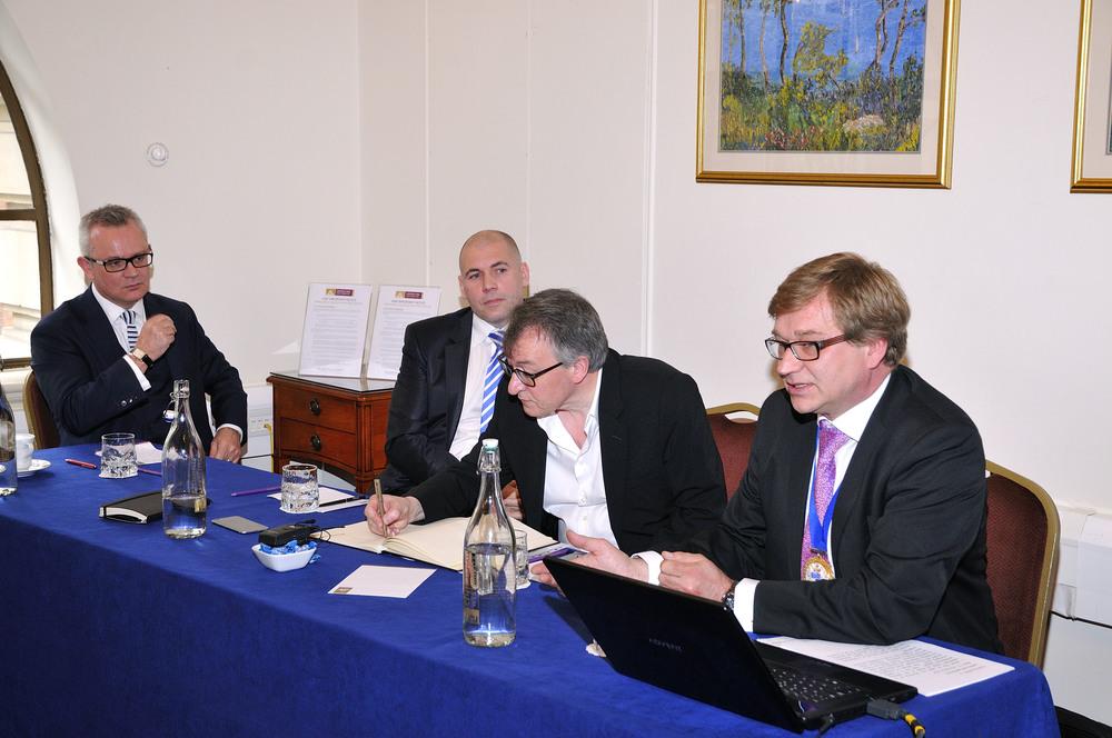 (L-R) David Fitzpatrick (Ruskin), Andy Sneyd (B&ES), Stephen Hodder (RIBA), Nick Mead (CIBSE)