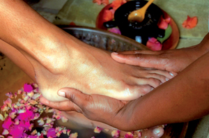 sunna-signature-foot-ceremony-ritual.jpg