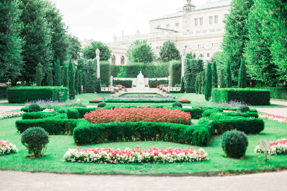 Vienna, Austria | Volksgarten | Surprise Wedding Proposal | Michelle Mock Photography | Engagement Photographer | Vienna Film Photographer | Contax 645 | Fuji400