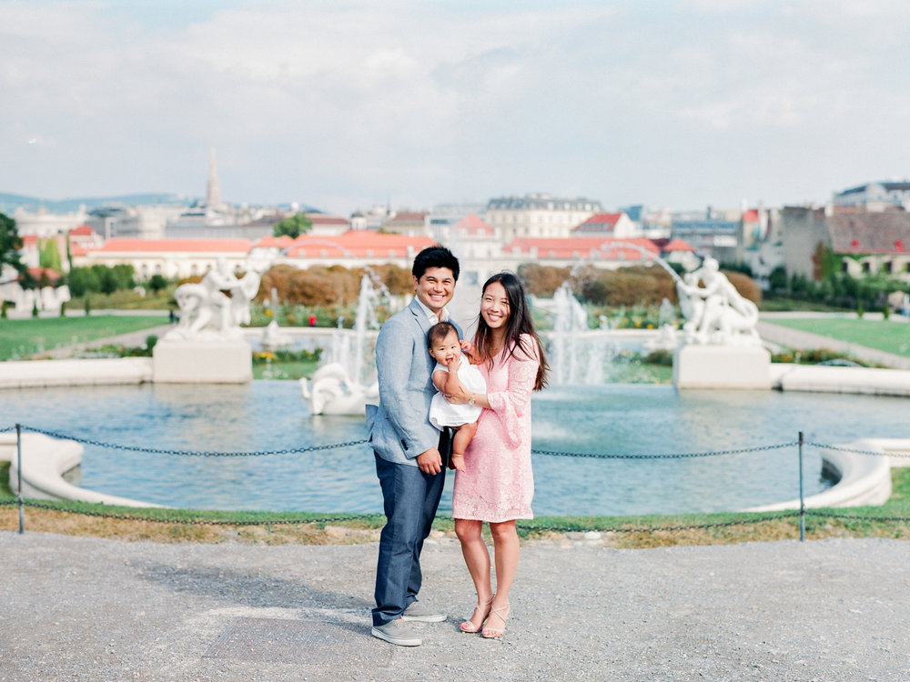 Belvedere, Vienna | Family Portraits | Michelle Mock Photography | Vienna Portrait Photographer | Vienna Film Photographer | Contax 645 | Fuji400