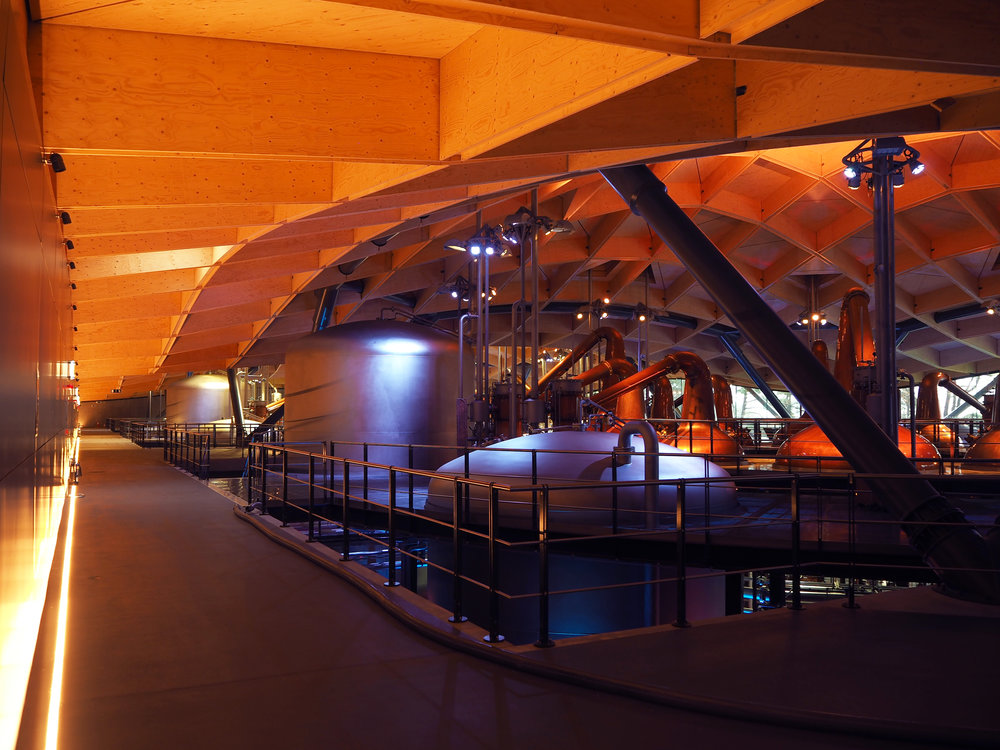 14) View of the uplit roof undulating along the rear distillery circulation route © Speirs + Major.jpg