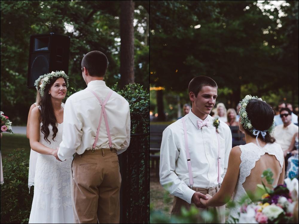 Fayetteville-Arkansas-Mount-Sequoyah-Summer-Wedding_0326.jpg